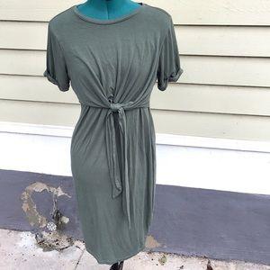 A Pea in The Pod Tie-Waist T-shirt Dress